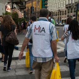 senzatetto-volontari-milano-in-azione-559-body-image-1435070618